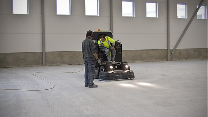 Buildings In A Cement Grinding Mill : Htc ixt a concrete grinder for both large and small
