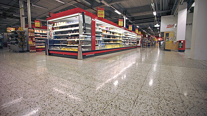 A supermarket cleaned with Twister™
